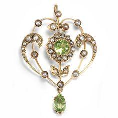 Jugendstil um 1900: Anhänger aus Gold, Perlen & Peridot mit Kette / Art Nouveau