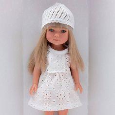 Paulina 28 cm doll by Vestida de Azul Girls Dresses, Flower Girl Dresses, Crochet Hats, Wedding Dresses, Fashion, Blue Nails, Dresses Of Girls, Knitting Hats, Bride Dresses