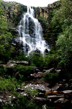 Parque Nacional da Serra do Cipo - Minas Gerais Beautiful Waterfalls, Beautiful Landscapes, Great Places, Beautiful Places, Places To Travel, Places To Visit, Waterfall Trail, Brazil Travel, Amazing Nature