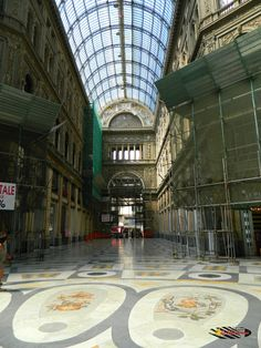 Galleria Umberto-Napoli, Nikon Coolpix L310, 4.5mm,1.320s,ISO80,f/3.1 201507131548