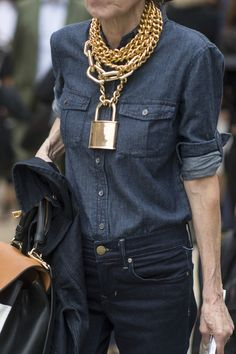 Gold Chain Men Necklace thick gold chain necklace street style - Loud statement jewelry isn't everyone's thing, but an actual fear of necklaces, earrings, and the like? C'mon man—you've got to be kidding, right? Turns out. Thick Gold Chain, Gold Chains For Men, Gold Diamond Earrings, Diamond Solitaire Necklace, Diamond Necklaces, Men's Fashion Jewelry, Mens Chain Necklace, Gold Necklace, Geometric Jewelry