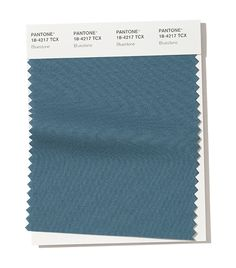 Partner with Pantone for your color inspiration. Use this quick 'Find a Pantone Color' online tool - just enter name or choose from palette. Pantone Azul, Pantone Color, Pantone 2020, Ny Fashion Week, New York Fashion, London Fashion, Fashion Colours, Colorful Fashion, Autumn Winter Fashion