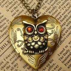 Steampunk Gold Owl Heart Locket Necklace Vintage Style Original Design on Luulla Design Steampunk, Style Steampunk, Steampunk Heart, Steampunk Diy, Steampunk Fashion, Owl Jewelry, Heart Jewelry, Jewelry Accessories, Jewelry Necklaces