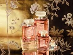 Coco Mademoiselle by Chanel is a Oriental Floral fragrance for women. Coco Mademoiselle was launched in The nose behind this fragrance is Jacques . Perfume Chanel, Chanel Makeup, Keira Knightley, Coco Mademoiselle Parfum, Parfum Chic, Popular Perfumes, Perfume Packaging, Dior, Perfume Collection