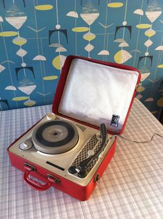 Dansette portable Regentone record player - One year my cousin and I both got portable record players for Christmas - we were hot stuff! Retro Record Player, Portable Record Player, Record Players, Sweet Memories, Childhood Memories, Calumet City, Ebay Watches, Retro Radios, Apartments