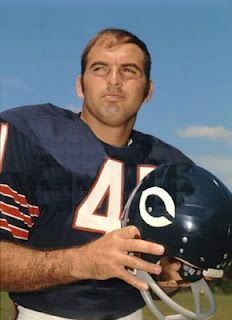 Football History - Deaths June - Louis Brian Piccolo was a professional football player for the Chicago Bears for four years. He died from embryonal cell carcinoma, an aggressive form of germ. Nfl Bears, Bears Football, Nfl Chicago Bears, Football Players, Bears Game, Football Uniforms, But Football, School Football, School Sports