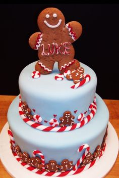 Christmas Candy cake--- so cute! Could adapt to a cupcake!