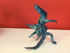 Alien de Kade Chan, plegado por mi en papel VOG de 60x60