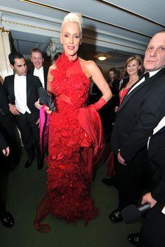 Pin for Later: Könnt ihr euch noch an diese aufreizenden Gäste beim Wiener Opernball erinnern? 2012: Brigitte Nielsen