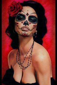 Are you looking for inspiration for your Halloween make-up? Browse around this website for creepy Halloween makeup looks. Sugar Skull Costume, Sugar Skull Makeup, Sugar Skull Face Paint, Sugar Skulls, Sugar Skull Halloween, Candy Skulls, Halloween Mono, Halloween Makeup Looks, Costume Makeup
