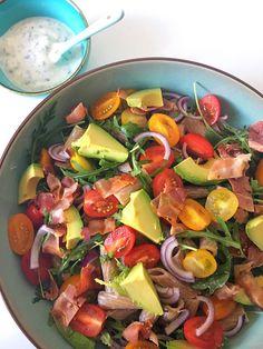 Salade maaltijdsalade gezond pasta Yummy Eats, Yummy Food, Salad Dressing, Love Food, Cobb Salad, Bacon, Salads, Avocado, Bbq