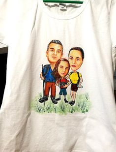 Family caricature T-shirt hand painted/ Tricou cu caricatura familiei, pictat manual. Greek Pattern, Ceramic Angels, Flower Stands, 8th Of March, Graphic Sweatshirt, T Shirt, Manual, Textiles, Hand Painted