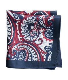 100% silk handkerchief in a printed paisley pattern. Size 13 x 13 in. | H&M Men's Classics