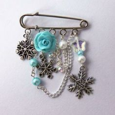 Turquoise snowflake kilt pin brooch, winter jewelry, turquoise and white charm brooch by Faye Valentine on Zibbet Safety Pin Crafts, Safety Pin Jewelry, Beaded Jewelry, Handmade Jewelry, Jewellery, Brooch Corsage, Brooch Pin, Kilt Pin, Barrettes