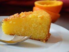 Bom dia!!!☕️ receitinha saudável hoje, BOLO DE LARANJA SEM GLÚTEN E SEM LEITE Ingredientes:  1 xícara de farinha de arroz  1 xícara de farinha de amêndoas ou de amaranto 1 xícara de açúcar mascavo (pode ser demerara ou adoçante stévia culinário) 3 ovos 1 xícara de suco de laranja (natural de preferência) 3 col. de sopa de óleo de coco 2 col. de sopa de linhaça 1 col. de sopa rasa de fermento Modo de fazer:  Bata numa batedeira os ovos e o açúcar. Adicione o resto dos ingredientes e colo...