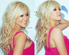 She's beautiful <3 love her hairstyle and color