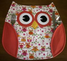 """Owl Placemats made with owl fabric, orange wings. Wings hold silverware. Size is 13"""" x 12"""". sur Etsy, $8.69 CAD"""