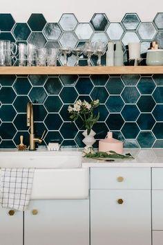 tiles Backsplash Instead of Subway Tile - Kitchen Backsplash Ideas Subway Tile Kitchen, Kitchen Backsplash, Subway Backsplash, Black Backsplash, Kitchen Shower, Beadboard Backsplash, Kitchen Faucets, Kitchen Fixtures, Flats