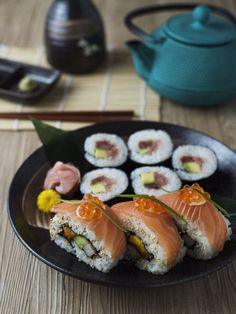 Salmon Uramaki Sushi Roll