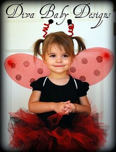 LadyBug Halloween Costume includes tutu wings by DivaBabyDesigns Diy Girls Costumes, Toddler Costumes, Cute Costumes, Carnival Costumes, Cowboy Kostüm Kind, Cowboy And Cowgirl, Halloween Scene, Halloween Costumes For Kids, Ladybug Costume
