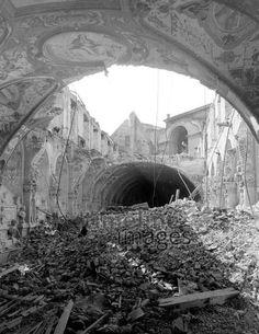 Zerstörtes Antiquarium der Residenz in München 1944 Timeline Classics/Timeline Images #Luftangriff #Bombadierung #Destruction #Bombing #Munich #Schutt