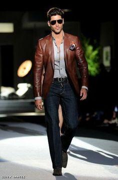 Sexy blazer/denim combo