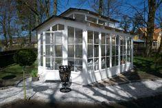 Orangeri,an undemanding relaxation room. Relaxation Room, Conservatory, Teak, Indoor, Greenhouses, Garden, Outdoor Decor, Inspiration, Outdoors