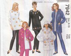 """Chaqueta con capucha túnica de las mujeres afilado pantalones elásticos de la cintura 90 costura patrón con capucha talla S 7942 S de (8-10) 32,5 busto """"(83 cm) McCall"""