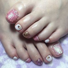 Instagramのネイル画像を自動でピンする。 Colorful Nail Designs, Toe Nail Designs, Feet Nails, Nails Inspiration, Nail Colors, Hair Beauty, Instagram, Finger Nails, Pedicures