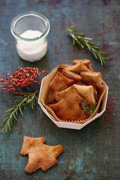 Crackers au yaourt Crackers, Christmas Time, Christmas Recipes, Finger Foods, Love Food, Crisp, Waffles, Biscotti, Food And Drink