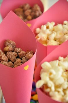 kettle corn and sweetened almonds/peanuts Buffet Vegan, Sweet Party, Start The Party, Farm Party, Happy B Day, Princess Party, Diy Party, Dog Food Recipes, Kid Recipes