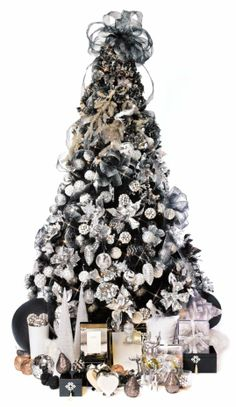 Contemporary Chic Christmas Tree