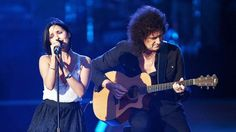 Brian May Brings His Friend Andrea Corr On Stage For Beautiful Performance Of This Classic Queen Hit!