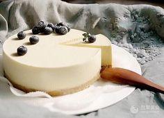 牛奶慕斯蛋糕 ~ 用冰箱就可以做的蛋糕