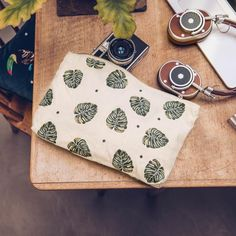 Buy Elizabeth Scarlett Jungle Leaf Natural Travel Pouch Wash Bag Now at Dotmaison. Quality designer homewares & Free UK delivery over Canvas Material, Canvas Fabric, Cotton Canvas, Cute Coin Purse, Hand Illustration, Metallic Thread, Wash Bags, House Colors, Sunglasses Case