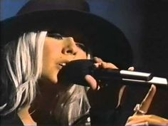 Christina Aguilera - Beautiful (VH1 Big In Awards 2002).