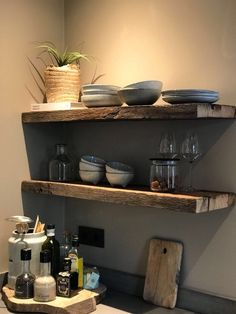 Gipsy party and boho chic: decorating ideas with the theme - Home Fashion Trend Farmhouse Style Kitchen, Kitchen Dining, Kitchen Decor, Small Living, Home And Living, Rustic Home Design, Kitchen Shelves, Beautiful Kitchens, Home Decor Inspiration