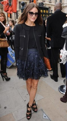 Olivia Palermo at London Fashion Week Estilo Olivia Palermo, Olivia Palermo Style, Charlotte Olympia, Hermes, Favim, Clutch, Black And Navy, Her Style, Casual Chic