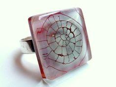 """Anillo de vidrio """"caracola"""".Hecho a mano.Ajustable - hecho a mano por BGLASSbcn en DaWanda"""