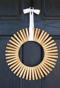 Sunburst clothes pin wreath...  DIY embroidery hoop, vintage clothes pins, cardboard and glue gun!