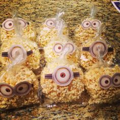 Minion Popcorn bags Classroom Birthday, Kids Birthday Themes, Minion Birthday, Birthday Treats, Party Treats, Minion Theme, Minion Party, Wonder Woman Party, Cute Snacks