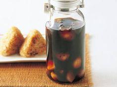 松本 忠子さんのにんにくを使った「焼きにんにくしょうゆ」のレシピページです。つけた翌日から料理に使えます。焼き物、蒸し物、煮物、炒め物など、あらゆる料理に使える万能調味料です。 材料: にんにく、A