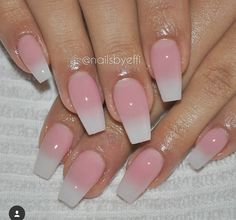 Discover new and inspirational nail art for your short nail designs. Pink Ombre Nails, White Nails, Black Nail, Acrylic Nail Designs, Acrylic Nails, Hair And Nails, My Nails, Oval Nails, Garra