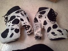 GOTH/DEATHROCK SHOE DIY!!!!
