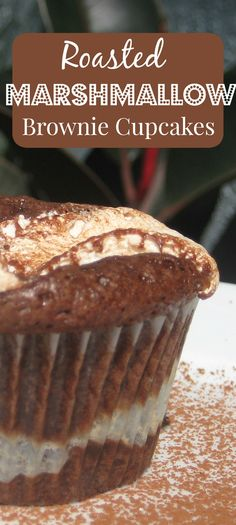 These delicious marshmallow brownie cupcakes are filled and topped with warm, gooey marshmallow that tastes like it's been roasted over a hot fire. Marshmallow Brownies, Brownie Cupcakes, Brownie Batter, Cupcake Cakes, Cup Cakes, Marshmallow Cupcakes, Yummy Treats, Delicious Desserts, Sweet Treats