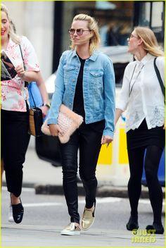 Margot Robbie Hangs with Amber Heard After Her Divorce Settlement | margot…