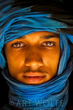 Portrait, Morocco Cultures Du Monde, World Cultures, Africa Tribes, Beautiful Men, Beautiful People, Divas, Afro, Look Into My Eyes, People Of Interest
