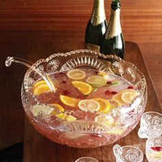 Gin Punch - made this for a party this past weekend and it was a hit! Although it was summer, still was a refreshing punch that wasn't wintery. Will keep this recipe for the next bash! Great Gatsby Party, 20s Party, Prohibition Party, Speakeasy Party, Speakeasy Decor, 1920s Speakeasy, Ma Baker, Fiestas Party, Holiday Punch