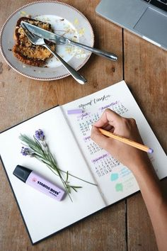 Thinking of keeping a bullet journal? Here are some ideas for you to try! #bulletjournal #bujo #bulletjournalideas