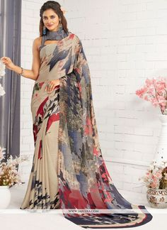 This multi colour faux georgette printed saree is adding the beautiful glamorous showing the sense of cute and graceful. Beautified with print work all synchronized nicely with all the design and styl. Floral Print Sarees, Saree Floral, Printed Sarees, Saree Draping Styles, Saree Styles, Indian Bridal Sarees, Indian Beauty Saree, Fancy Sarees, Party Wear Sarees